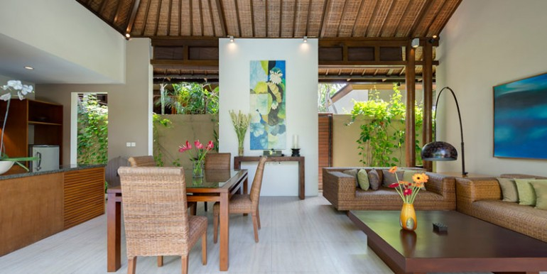 LAK-Solo-Living-and-dining-areas
