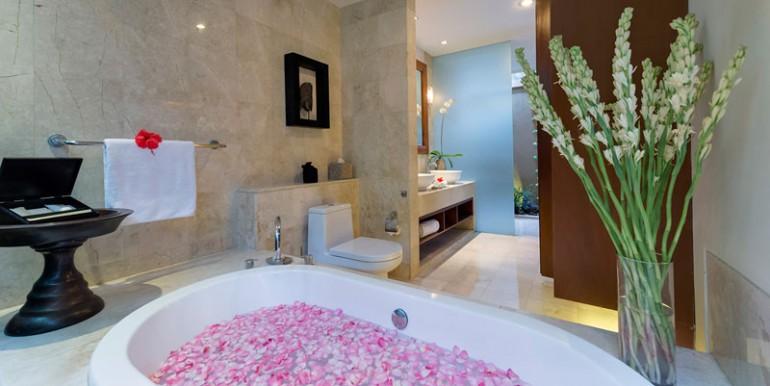 LAK-Flower-bath