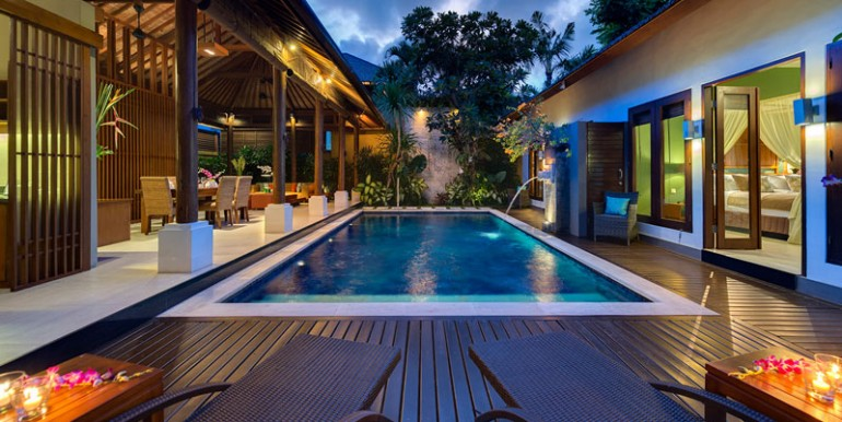 LAK-Pool-and-villa-at-night