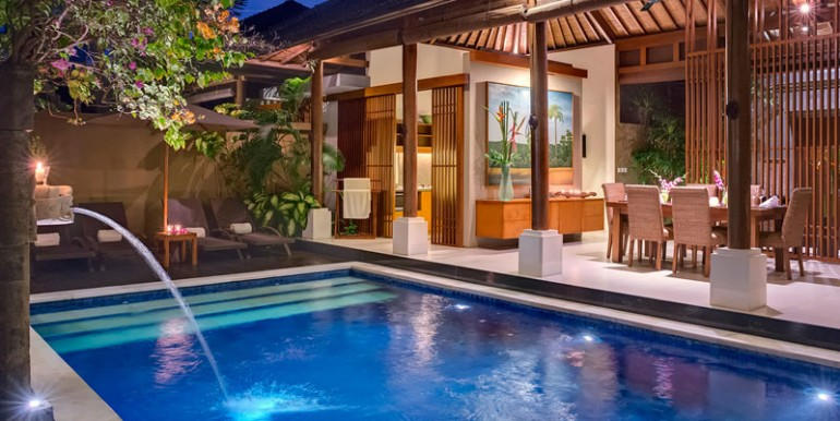 LAK-Pool-view-to-dining-area