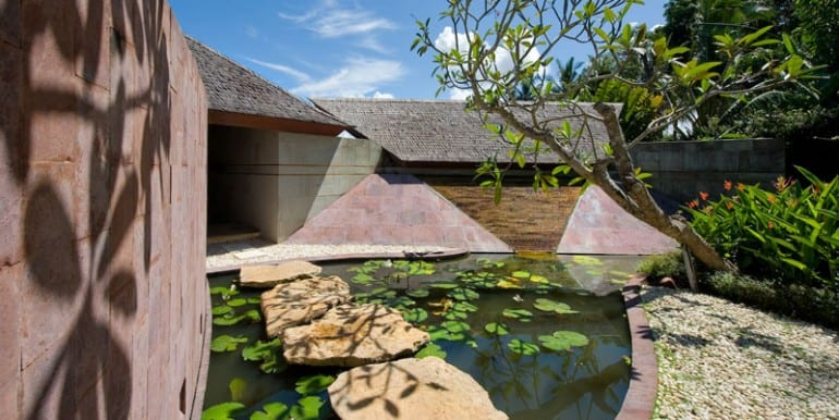 Bali-Bali-Two-–-Alternative-view-of-entrance-with-pond