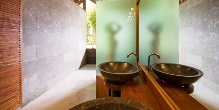 Bali-Bali-Two-–-Second-bathroom