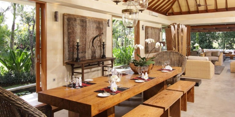 Dining-Area-serasvati