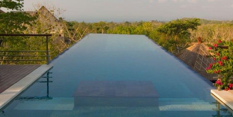 MAN-Infinity-pool-