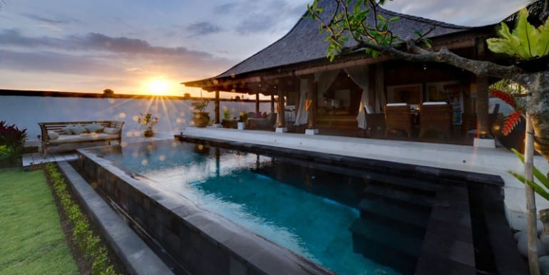 MA-Bridal-suite-at-sunset