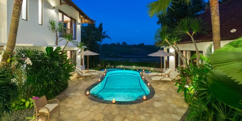Villa-Ar-Pool-view-at-night