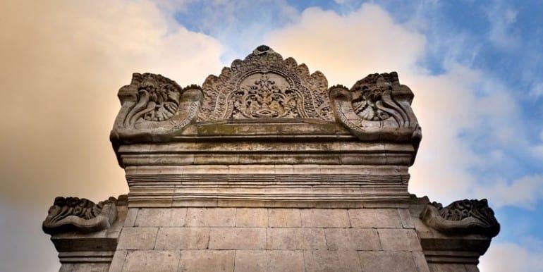Villa-BEL-Entrance-gate