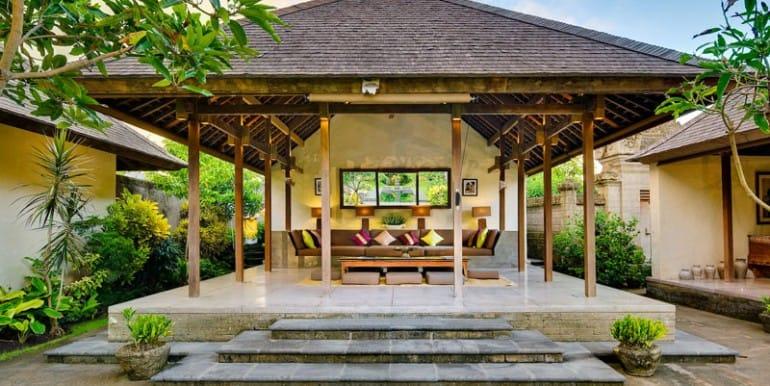 Villa-BEL-Living-Pavilion-from-garden