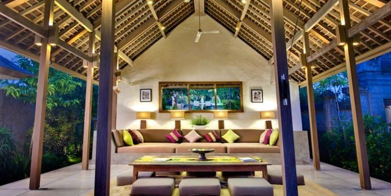 Villa-BEL-Living-pavilion-at-night
