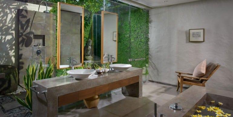 Villa-BEL-menega-suite-bathroom