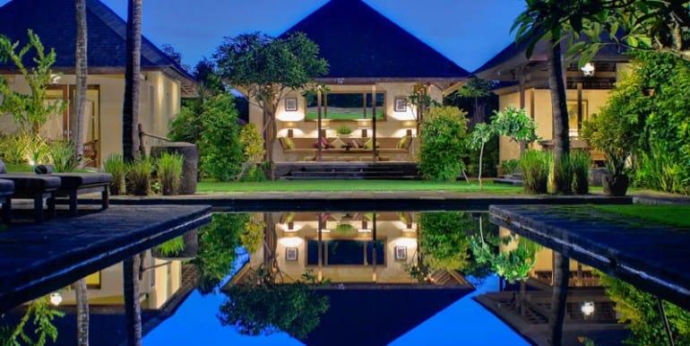 Villa-BEL-pool-side-at-sunrise