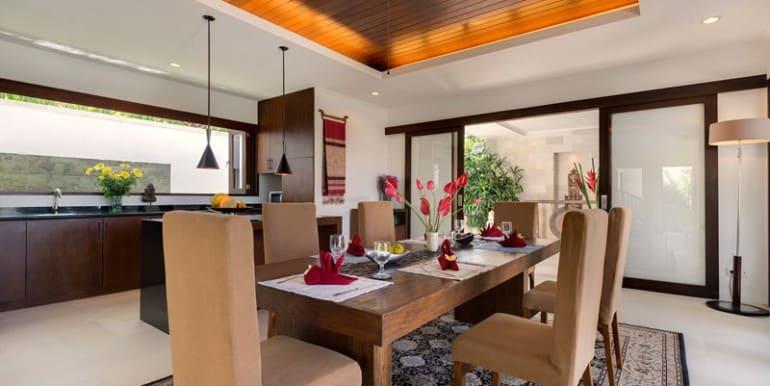 Villa-Da-Dining