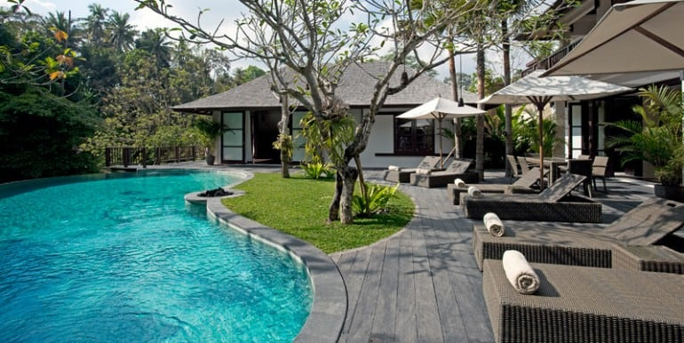 Villa--Pool-side