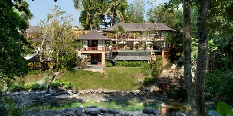 The-villa-from-the-river
