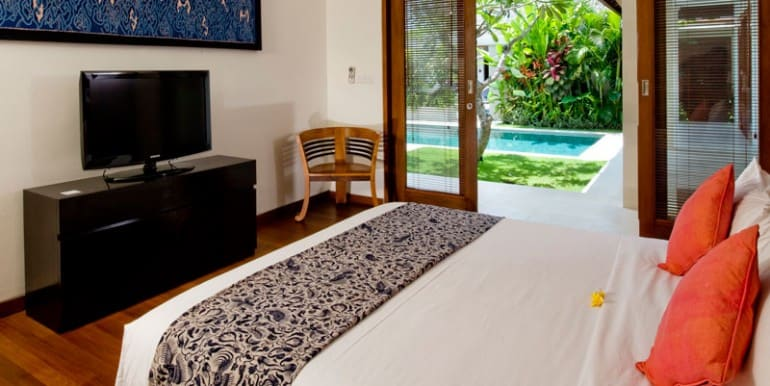 Villa-NAK-Master-bedroom-with-view