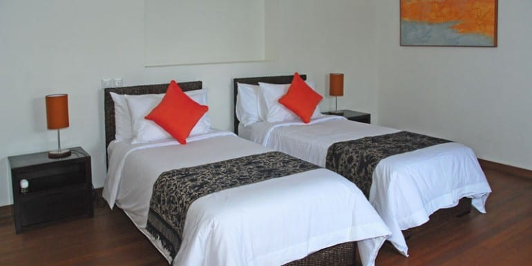 Villa-NAK-Twin-room1