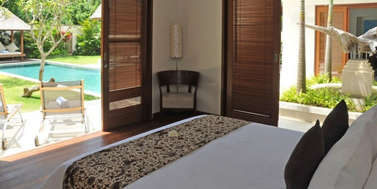 Villa-YUD-Master-bedroom