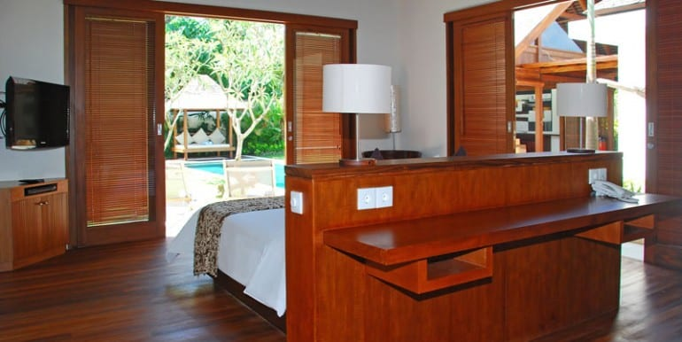 Villa-YUD-Master-bedroom-view