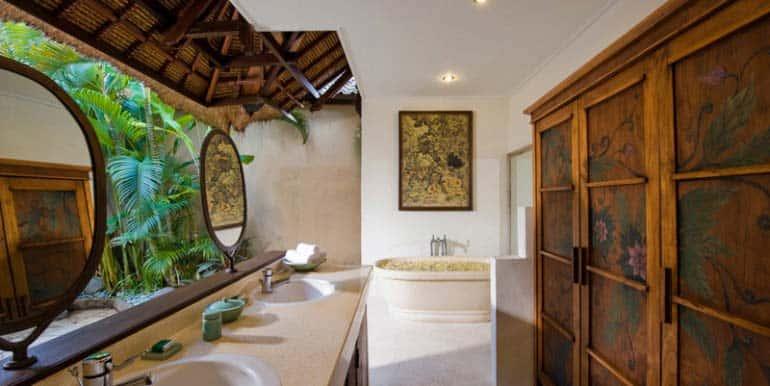 03-09-Bath-1-770x386