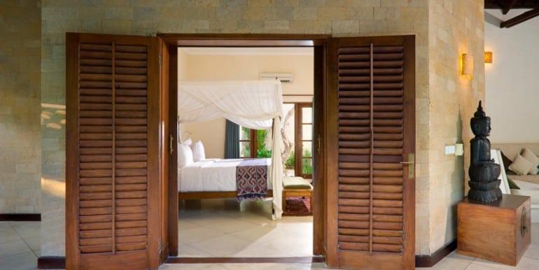 04-08-Bedroom-Exterior-770x386
