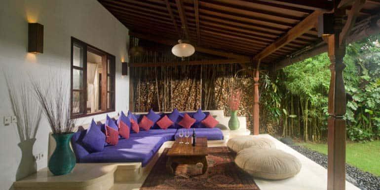 08-03-Lounge-770x386