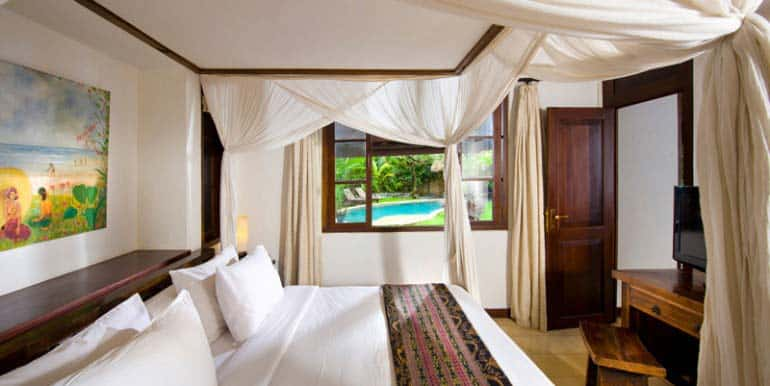 08-Guest-Bed-770x386